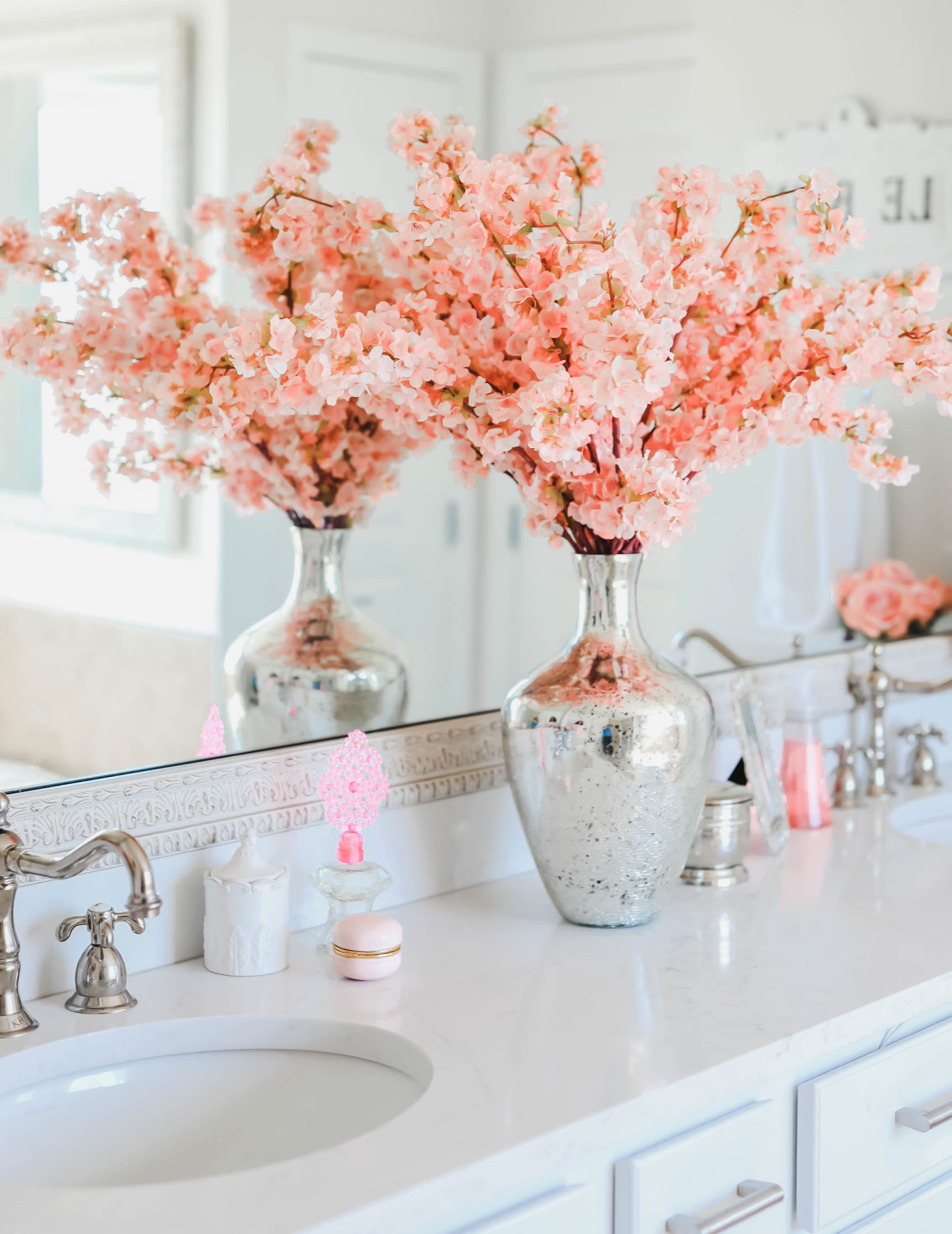 How To Decorate A Luxurious Bathroom No Matter The Size